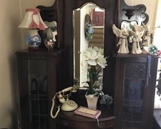 Antique Victorian Parlor Cabinet: Leaded Glass