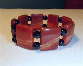 Jay King Mine Finds stretch bracelet.  Reddish brown Agate and Onyx beads.   $11 (was $16)