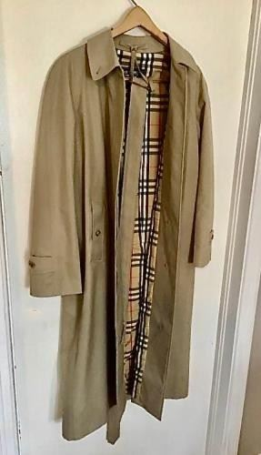 Vintage Burberrys' Trench Coat https://ctbids.com/#!/description/share/402988