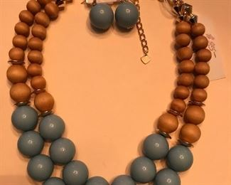 WOOD BEAD NECKLACE & EARRINGS