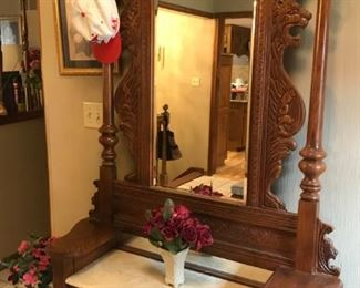 Vintage Pulaski Mirrored Foyer / Hall Tree with carved Lion Head design