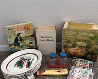 Vintage Kitchen   https://ctbids.com/#!/description/share/405221