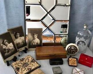 Vintage Dressing Table Decor https://ctbids.com/#!/description/share/405073