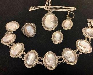 Vintage Jewelry Ensemble https://ctbids.com/#!/description/share/405115