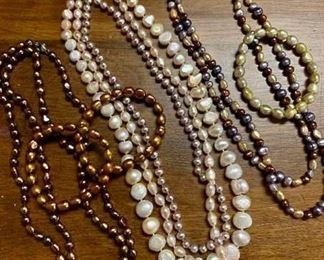 Freshwater Pearls https://ctbids.com/#!/description/share/405123