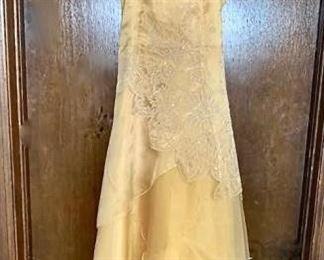 Tween dress https://ctbids.com/#!/description/share/405168