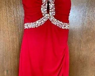 Homecoming Dress https://ctbids.com/#!/description/share/405170