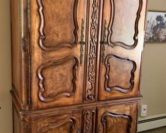 119. Schradig Carved Wood Armoire (50'' x 26'' x 87'') $ 600.00