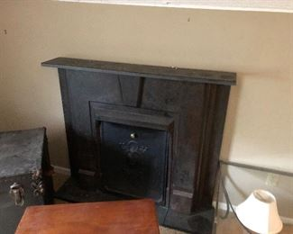 FIREPLACE MANTLE & SCREEN