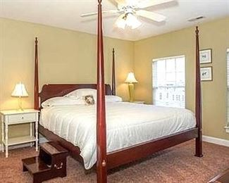 4 poster king size bed by Link Taylor