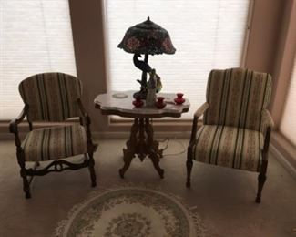 Tiffany style lamp/ Chairs