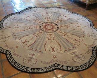 New Zealand Wools 8' scalloped round rug
