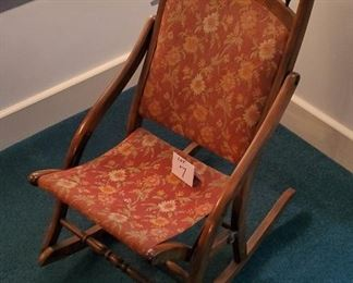 """$40 - Kids rocking chair. Seat height is app. 13.5"""" . Lot #7"""