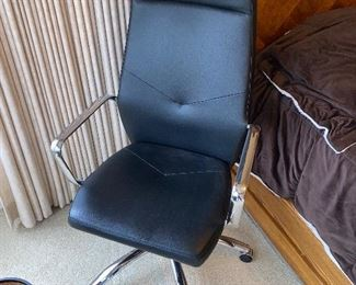 OFFICE CHAIR  $80