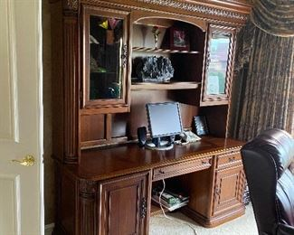 "HOOKER FURNITURE LARGE WOODEN DESK / WALL UNIT WITH HUTCH 76""L x 25""D x 86""H  $500"