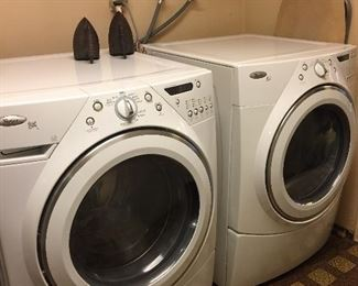 Washer / dryer. In great condition.