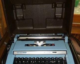 Smith Corona electric typewriter in case