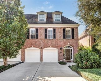 Gorgeous 2 Story 2400 sq. foot home in Galleria area