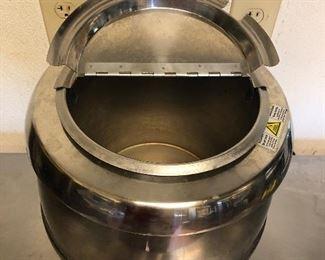 Winco Soup Warmer. Model ESW-70. In great shape.  (Photo 3 of 3)
