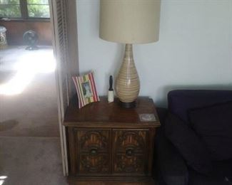 2 neo modern lamps $25/each. End tables. $25 each.