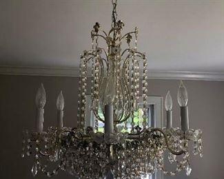 $550 Chandelier 12 Lights Measures 24 x 24