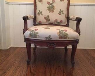 Large Queen Ann Arm Chair https://ctbids.com/#!/description/share/409288