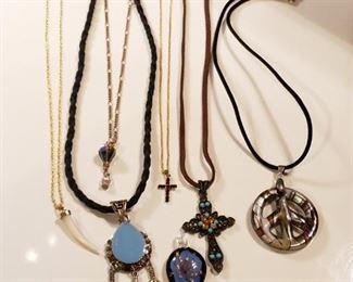 Southwestern Style Jewelry https://ctbids.com/#!/description/share/409447