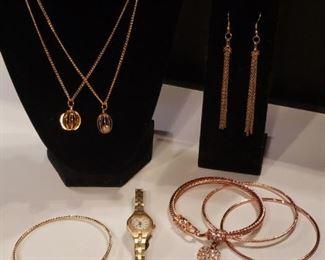 Goldtone Jewelry Collection https://ctbids.com/#!/description/share/409449
