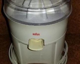 #339 braun juicer   $5