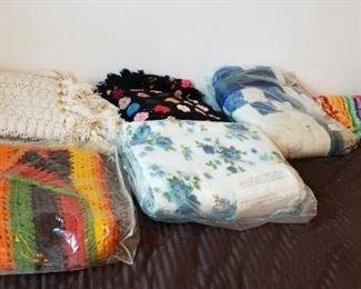 #200 blanket lot$15