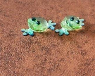 #126 3/4 inch tall  swarovski crystal frogs $ 20