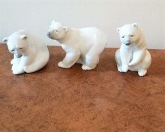 #108 lladro polar bear lot 4 inches tall   $75