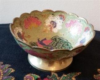 #89 decorative brass bowl 4.5 diameter 2.5 tall   $5