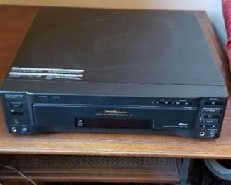 #32    sony MDD 600 cd, laser disc player. $20