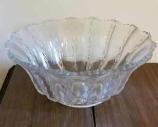#25   glass bowl 12 diameter$5