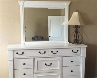 Folio Stoney Creek dresser with mirror