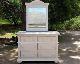 American Woodcrafters Dresser w/Mirror