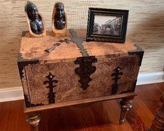 Thomasville Hemingway chest