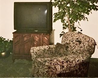 TWO VINTAGE 'MR. AND MRS.' UPHOLSTERED LIVING ROOM CHAIRS, DEEP SET AND COMFORTABLE.  - LARGE TV  - SOLID  WOOD CABINET.
