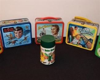 Vintage Lunchbox and Thermos Collection https://ctbids.com/#!/description/share/410994