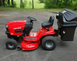 """Craftsman Lawn Tractor, T130, 18.5 HP, 42"""" with grass catcher"""