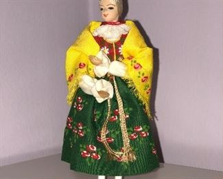 Lot#10 yellow shawl polish doll, $10