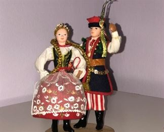 Lot #12 small pair of polish dolls, $12