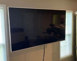 Sony Bravia 65 TV and Sanus Wall Mount