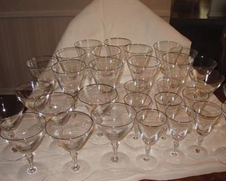 $20, Fostoria dining set of glassware, 11 water goblets, 8 wine, 10 martini