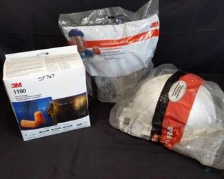 Safety equipment Safety equipment. Hard hat, Face shield and 3m foam earplugs. All in original packaging.