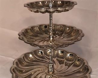 Silver 3-tiered cake stand