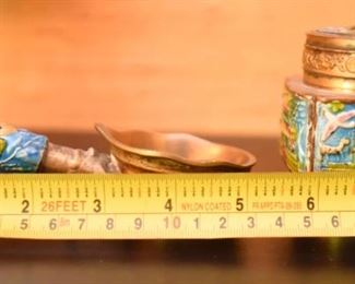 ITEM 117: Small Enameled Brass Chinese Objects  $22  Enameled handle scoop - probably an ashtray. Small enameled container with lid.