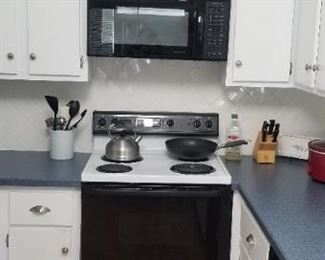 GE Spacemaker microwave oven and GE electric range