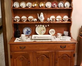 Maple Hutch & Tea Cup Collection